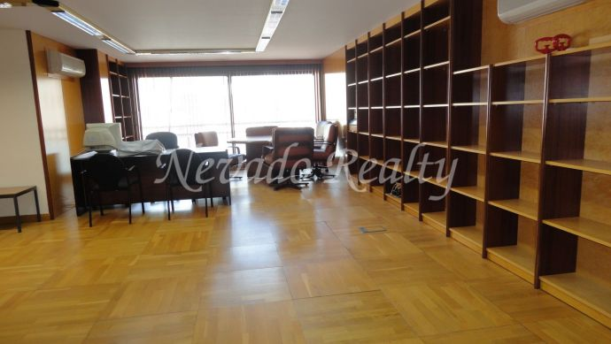 Office for renting in a prime location in Marbella Center