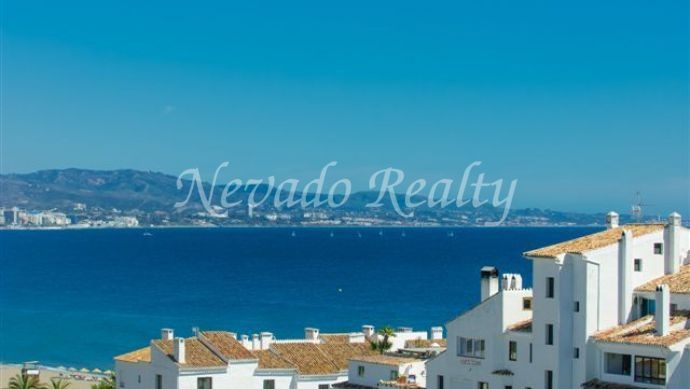 Sea and Mountain View Apartment to Rent in Puerto Banus for Short Term