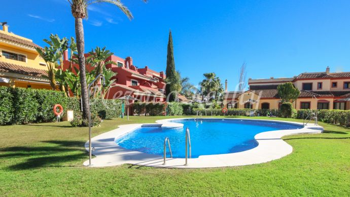 Semi-detached family house for sale in the Marbella Golden Mile