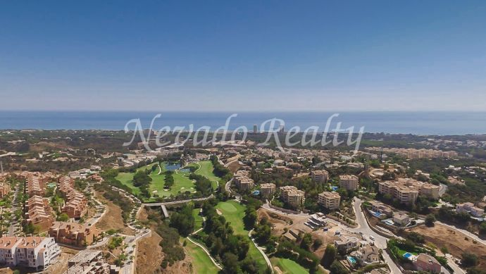 Frontline golf plot plot without project for sale in Elviria