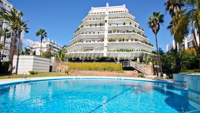 Luxury apartment for sale near the beach and the Paseo Marítimo
