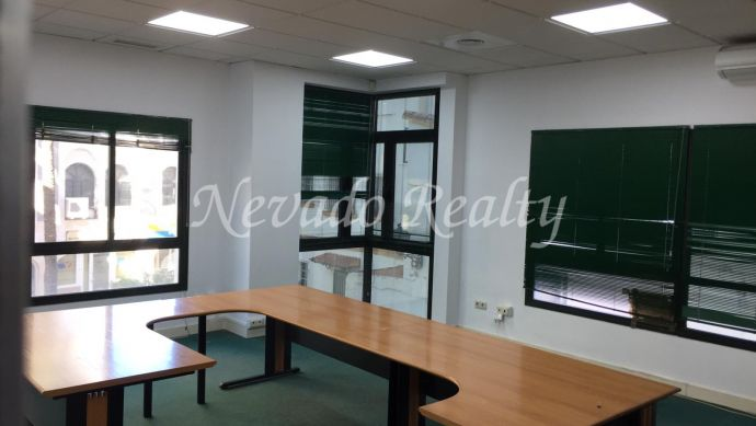 Office for long term rental in Marbella Centre