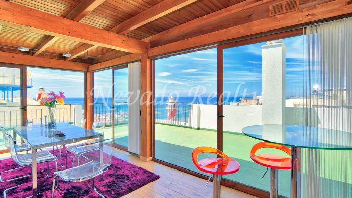 Penthouse for sale in Marbella centre, facing the beach and with fantastic sea views
