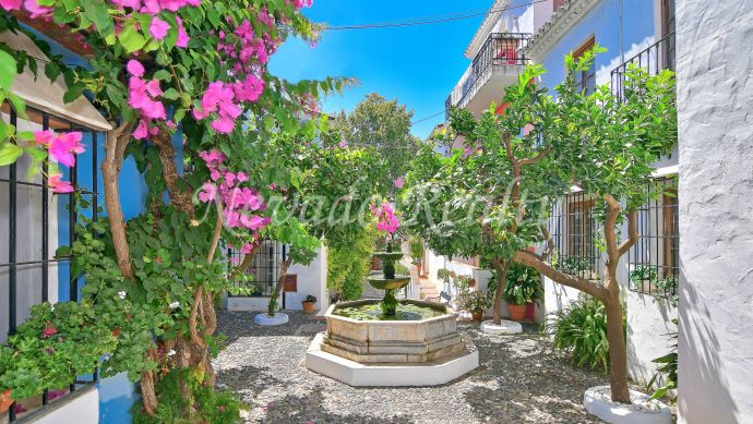 Charming tonwhouse for sale in La Virginia, Marbella