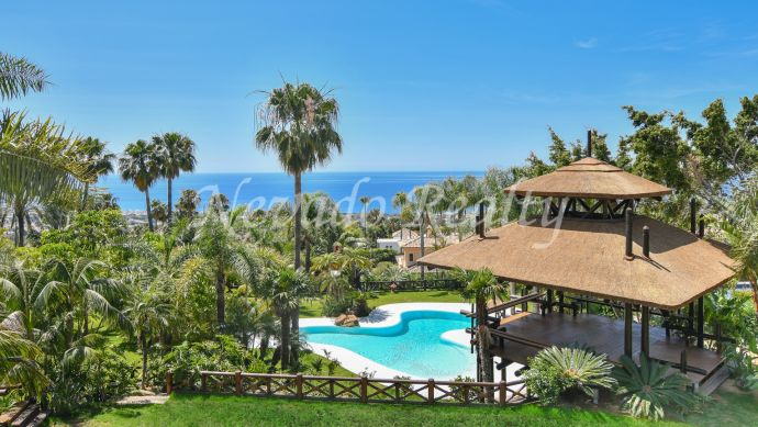 Unique and exclusive villa with spectacular sea views for sale in Sierra Blanca