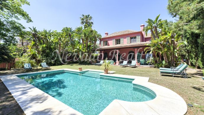 Very quiet and private classic style house for sale in Marbella East