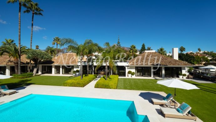 Mansion for sale in the Golf Valley of Nueva Andalucía