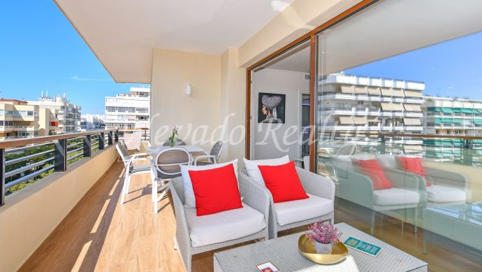 Fully refurbished beachside apartment for sale in Marbella Center