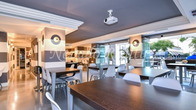 Completely renovated restaurant for sale just steps from the beach and the Plaza del Mar shopping center