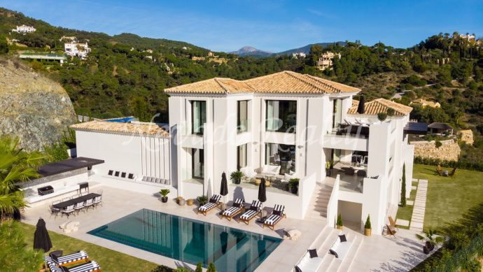 Brand new luxury villa with panoramic sea and mountain views