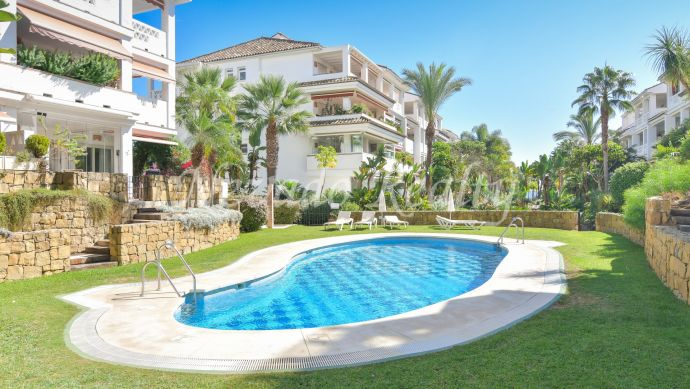 Apartment for sale in frontline beach development on the Golden Mile of Marbella