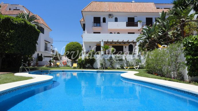Apartment for sale in quiet and private urbanization on the Golden Mile of Marbella