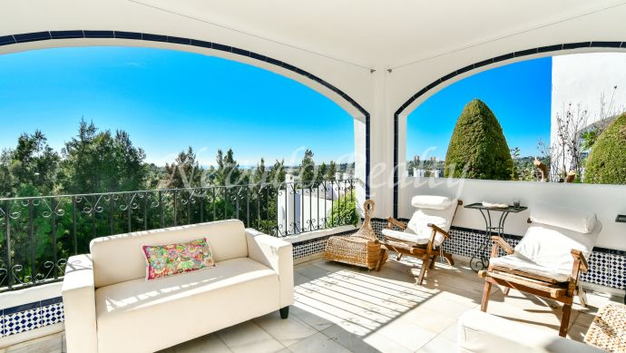 Spacious family apartment for sale in Club Sierra Marbella