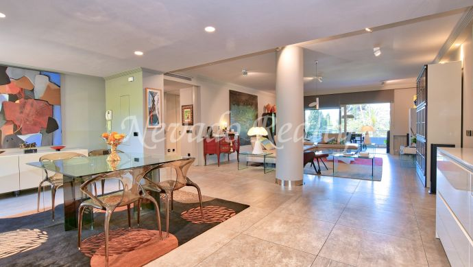 Unique loft for sale in a quiet and private urbanization in Marbella