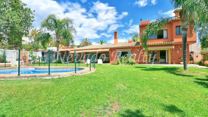 Cozy villa for sale close to Marbella