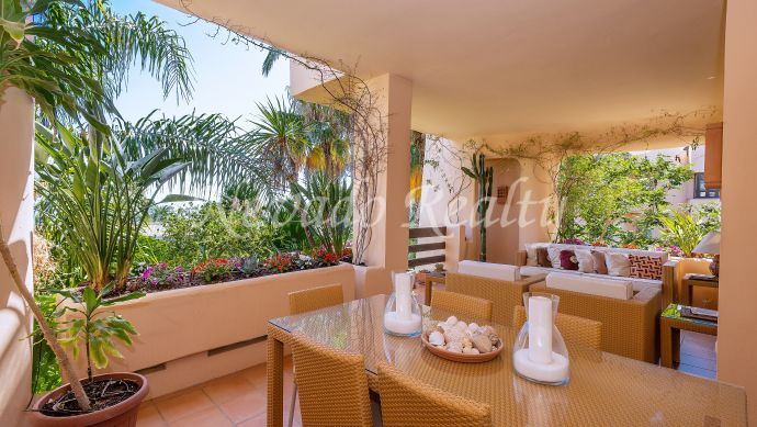 Extraordinary apartment in an exclusive complex on the Golden Mile of Marbella with sea views