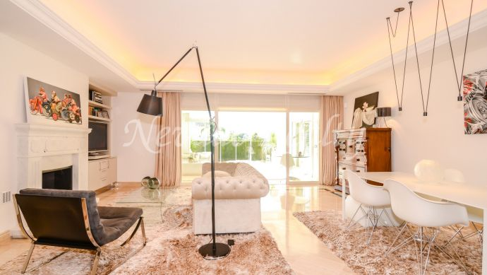 Exclusive ground floor apartment for sale in the Marbella Golden Mile