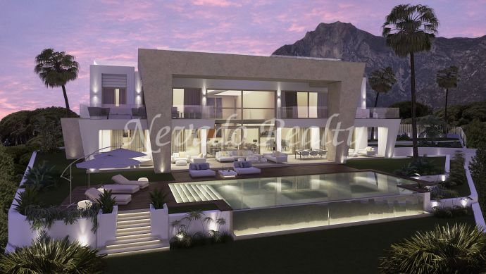 Turn-key project under construction in Sierra Blanca, privacy and sea views