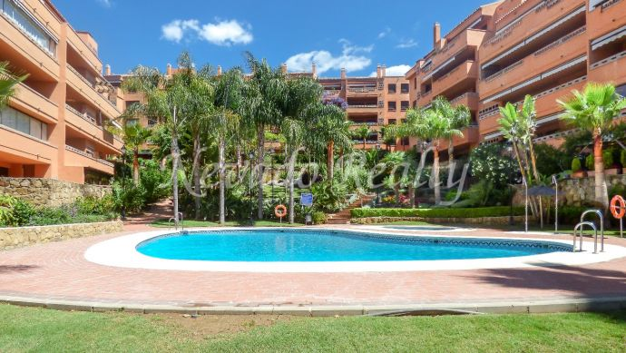 Flat in a gated urbanization close to Marbella center and the beach