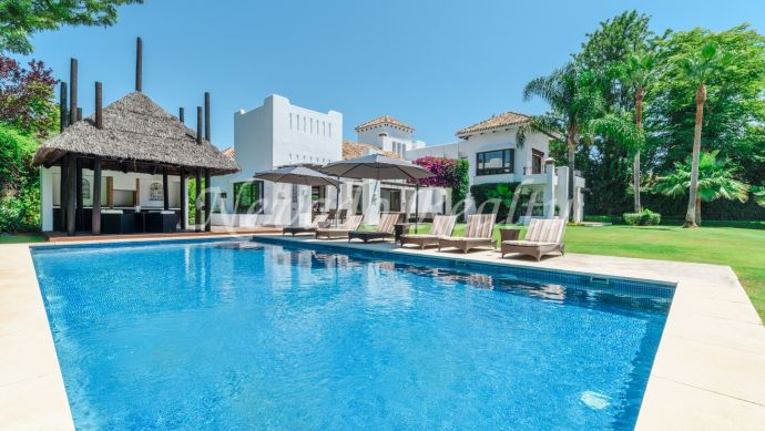 Elegant villa in Guadalmina Baja within walking distance to the beach and the golf