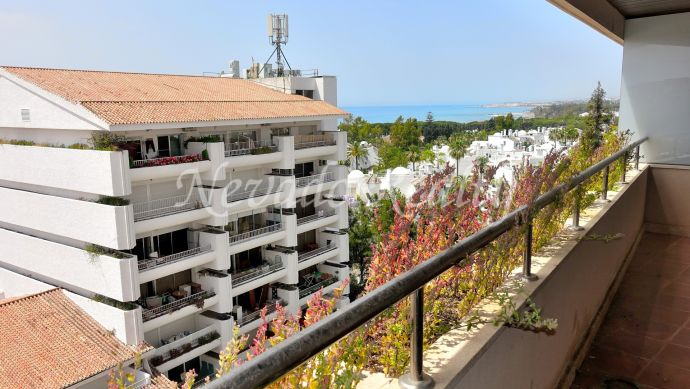 Nice 3 bed apartment with sea views in Residencial Palacio de Congresos
