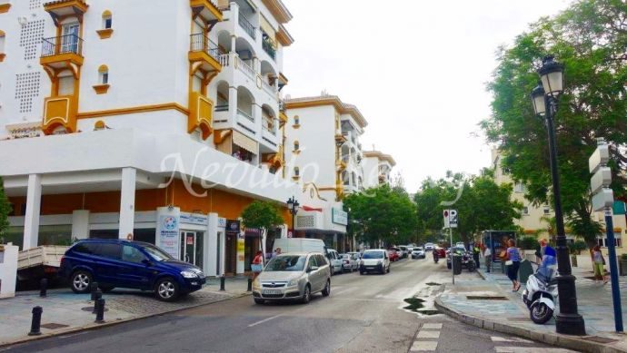 Business premise in Marbella center with exit to twodifferentes streets