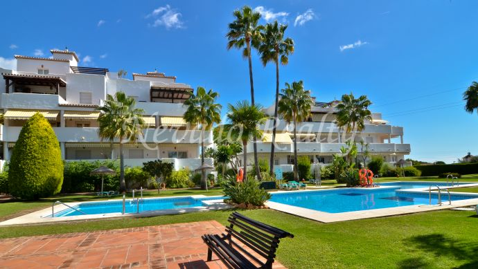 Apartment for sale in a beautiful urbanization on the Marbella Golden Mile