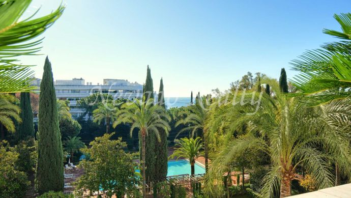 Fully renovated luxury apartment in Marbella centre and next to the beach