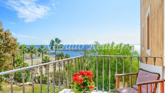 Apartment for sale in Marbella centre on the beachfront