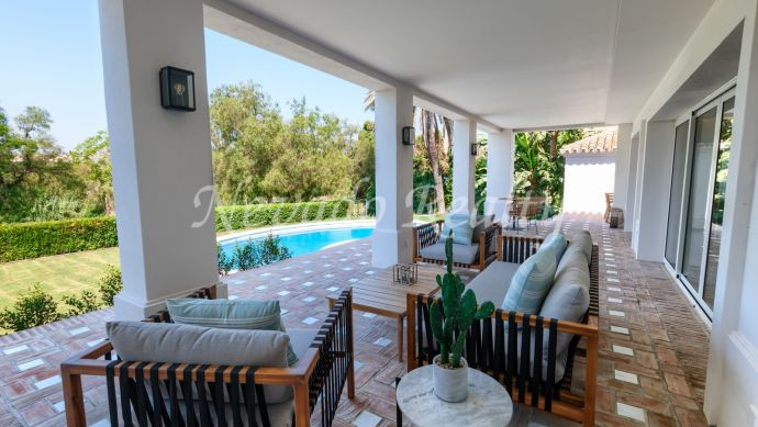 Villa for sale on the first line of golf in Guadalmina Alta