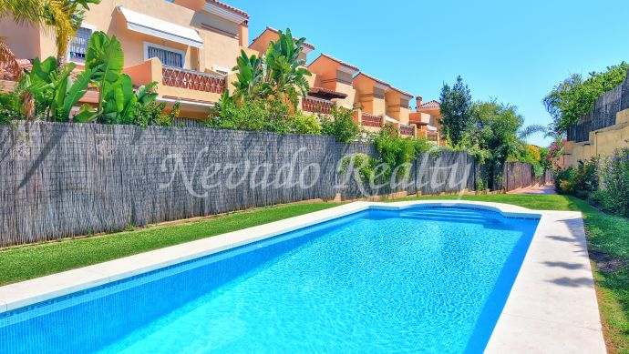 Townhouse for sale in a quiet residential area of Marbella