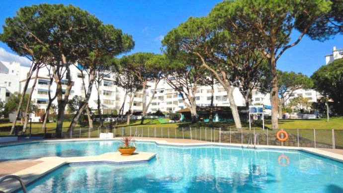 Apartment for long term rental in Playas de Duque Puerto Banus Marbella.