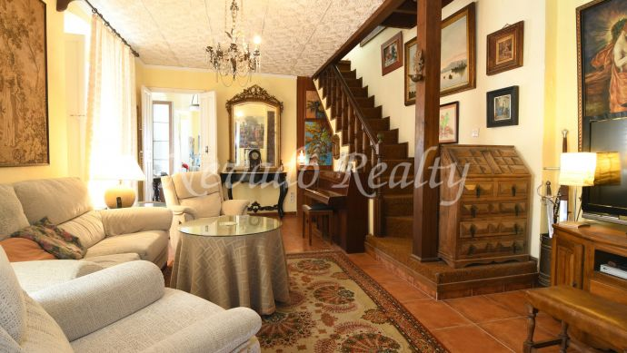 Mata 3-storey house for sale in the old town of Marbella