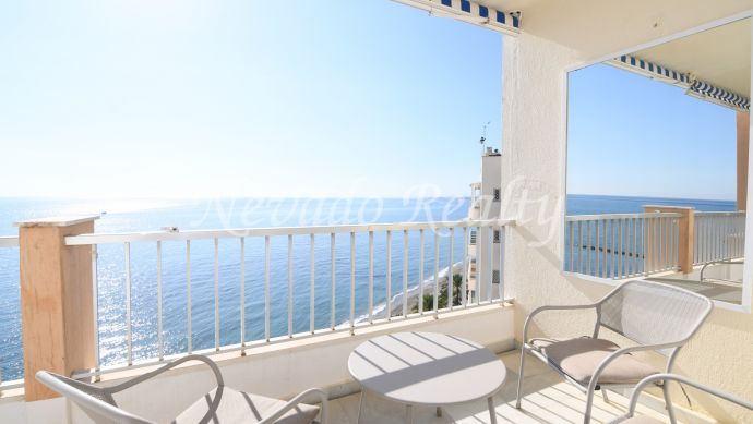 Frontline beach penthouse for sale in Marbella Centro