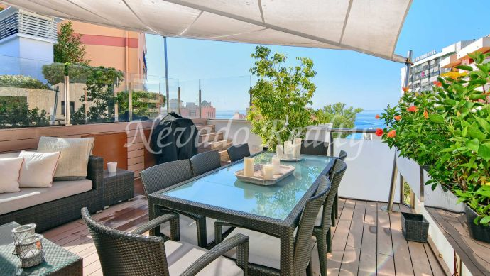 Penthouse with spectacular views and private pool in the Marbella city center