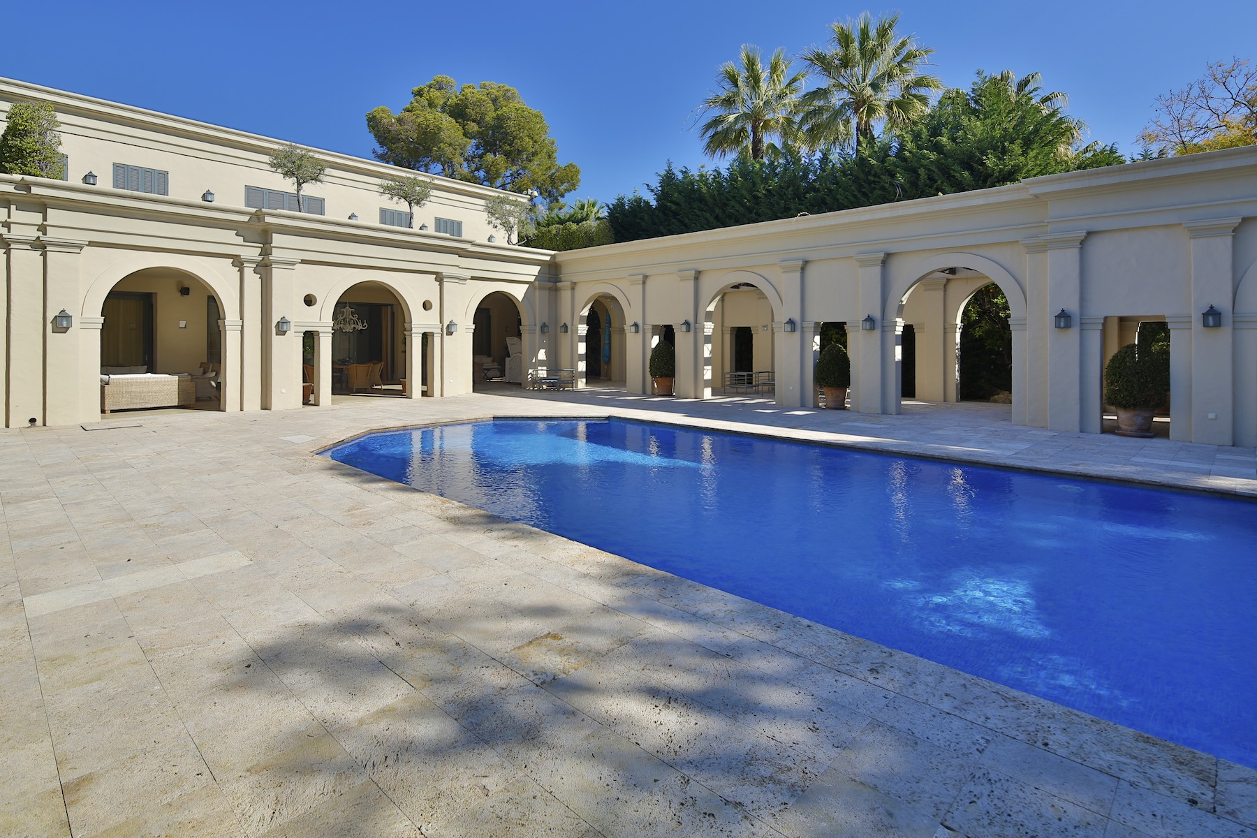 Villa for Sale and Rent in Nueva Andalucia, Marbella Golden Mile