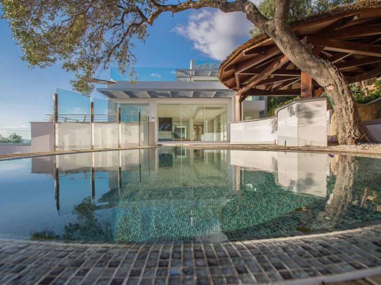 Villa for Sale and Rent in Gibraltar - South District, Gibraltar