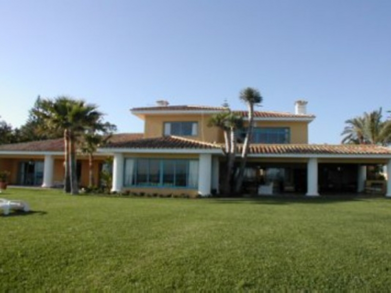 Villa for Sale and Rent in Casasola, Estepona