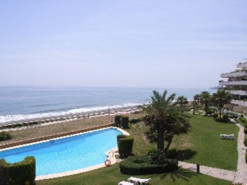 Apartment for Sale in Los Granados Playa, Estepona