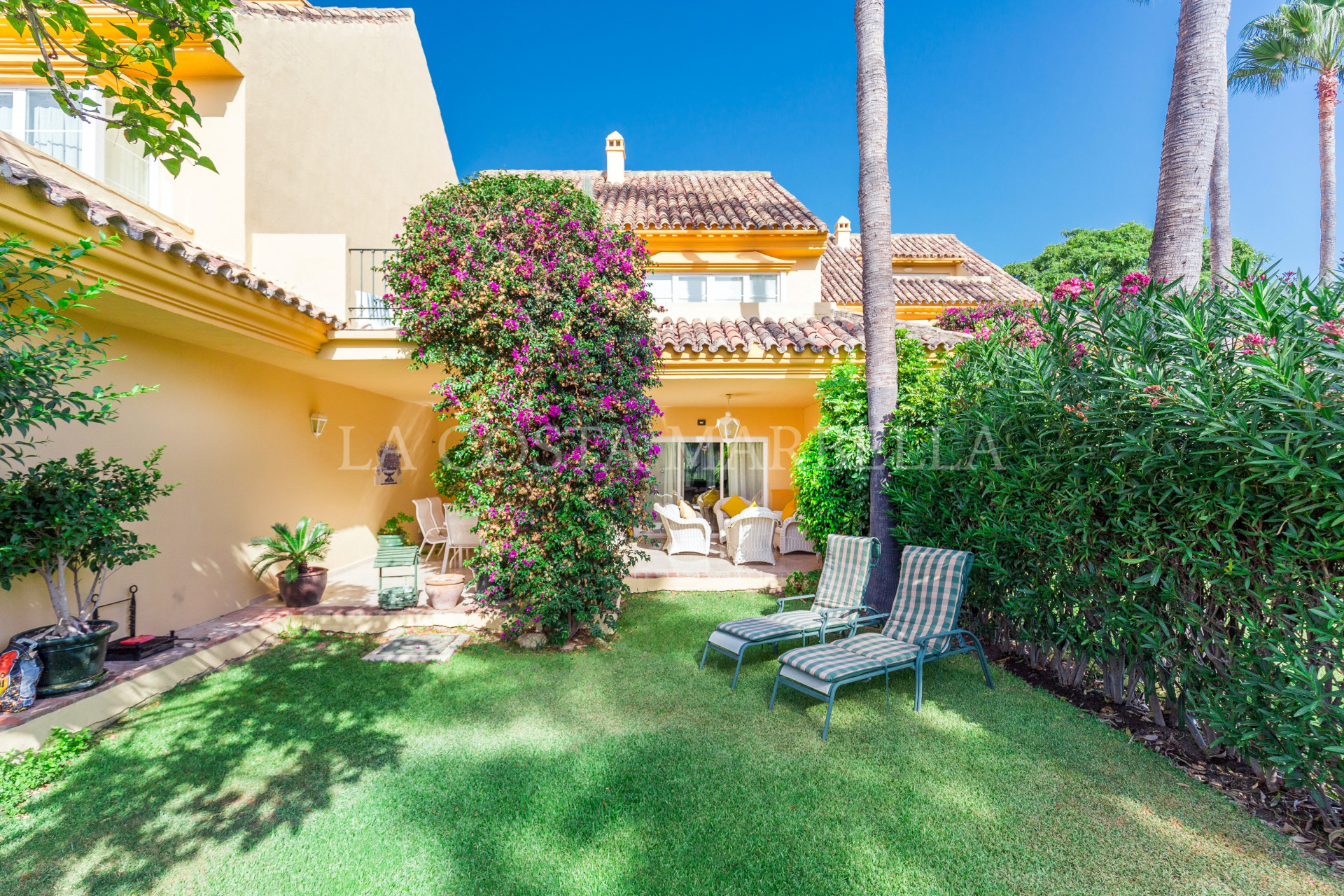Spacious front-line golf 3 bedroom townhouse for sale with private garden in Rio Real Golf, Marbella