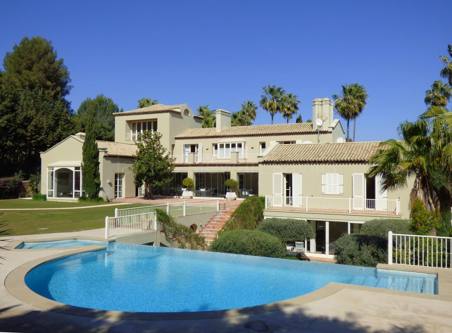 Fabulous modern spacious villa in Sotogrande Costa