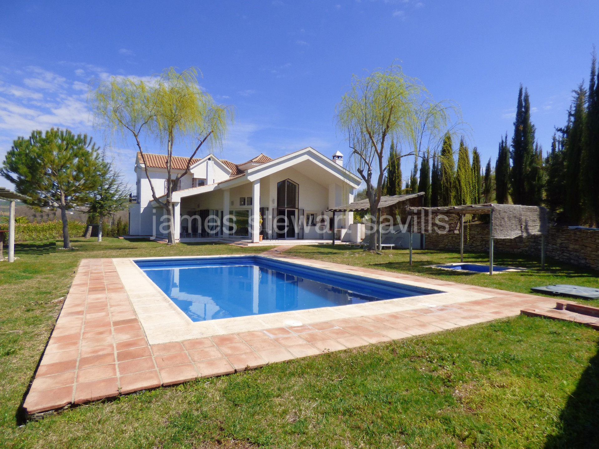 Refurbished modern style villa close to Ronda