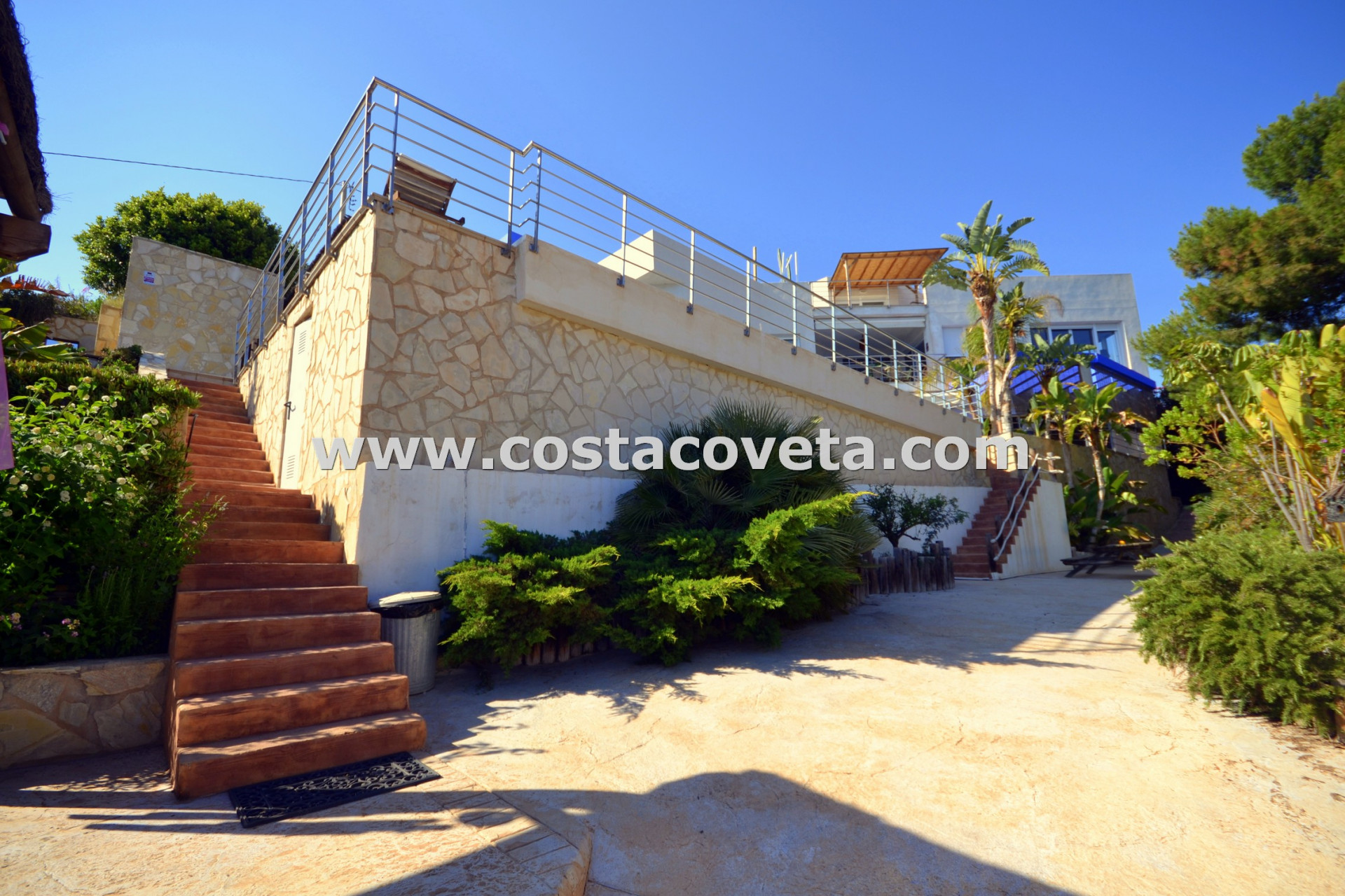 Luxury, privacy and elegance on the front line of the Mediterranean at la Coveta Fuma