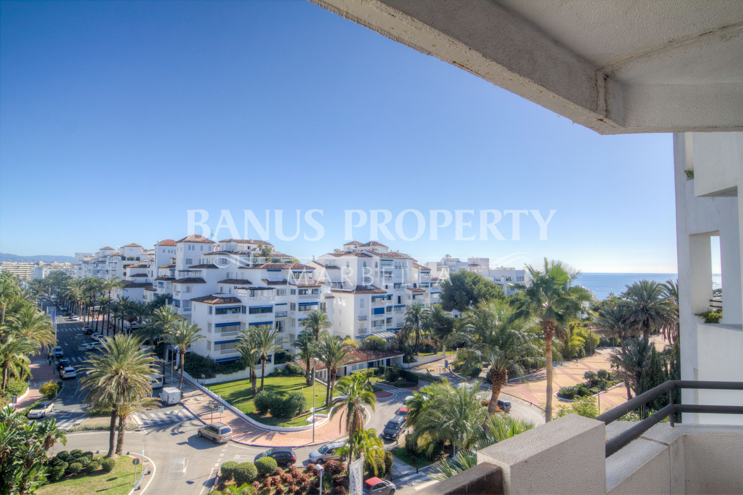 Three-bedroom 5th floor east-facing apartment for sale in Medina Garden, Puerto Banús