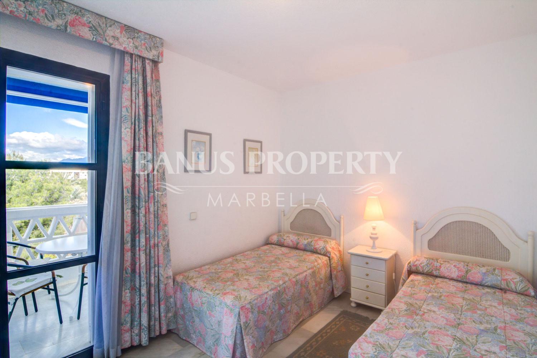 2 bed-apartment for sale with sea views in Casas Córdoba, Playas del Duque, Puerto Banús