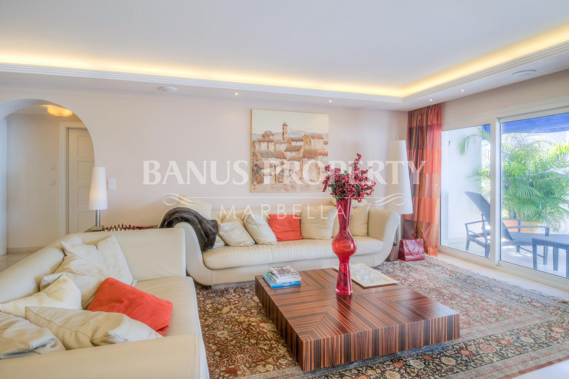 Luxury three bedroom penthouse apartment with breath taking views for sale in Edificio Malaga, Playas del Duque Puerto Banus