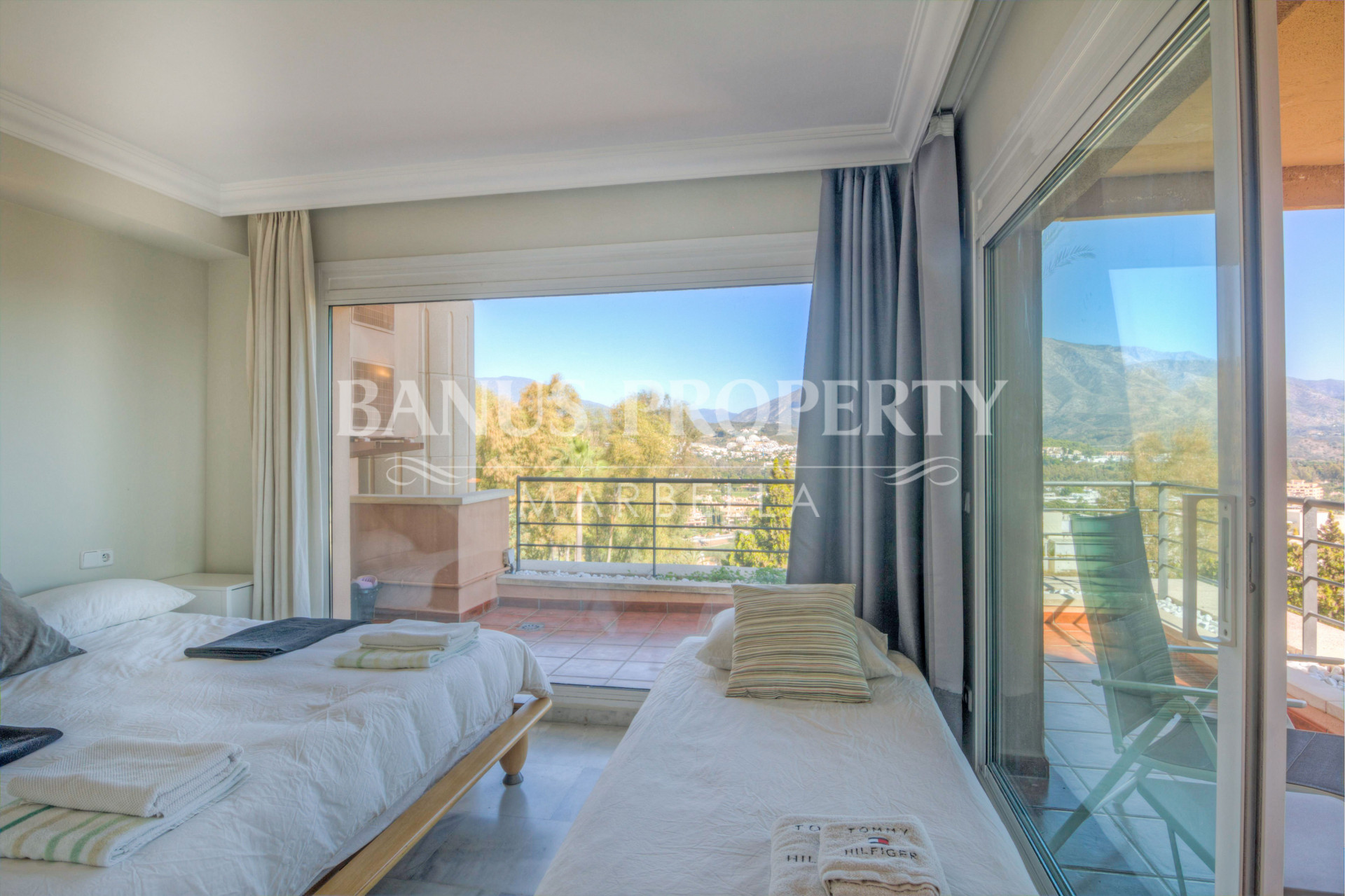Modern three bedroom, second floor apartment with gorgeous elevated sea views for sale in Magna Marbella, just two kilometres from Puerto Banús