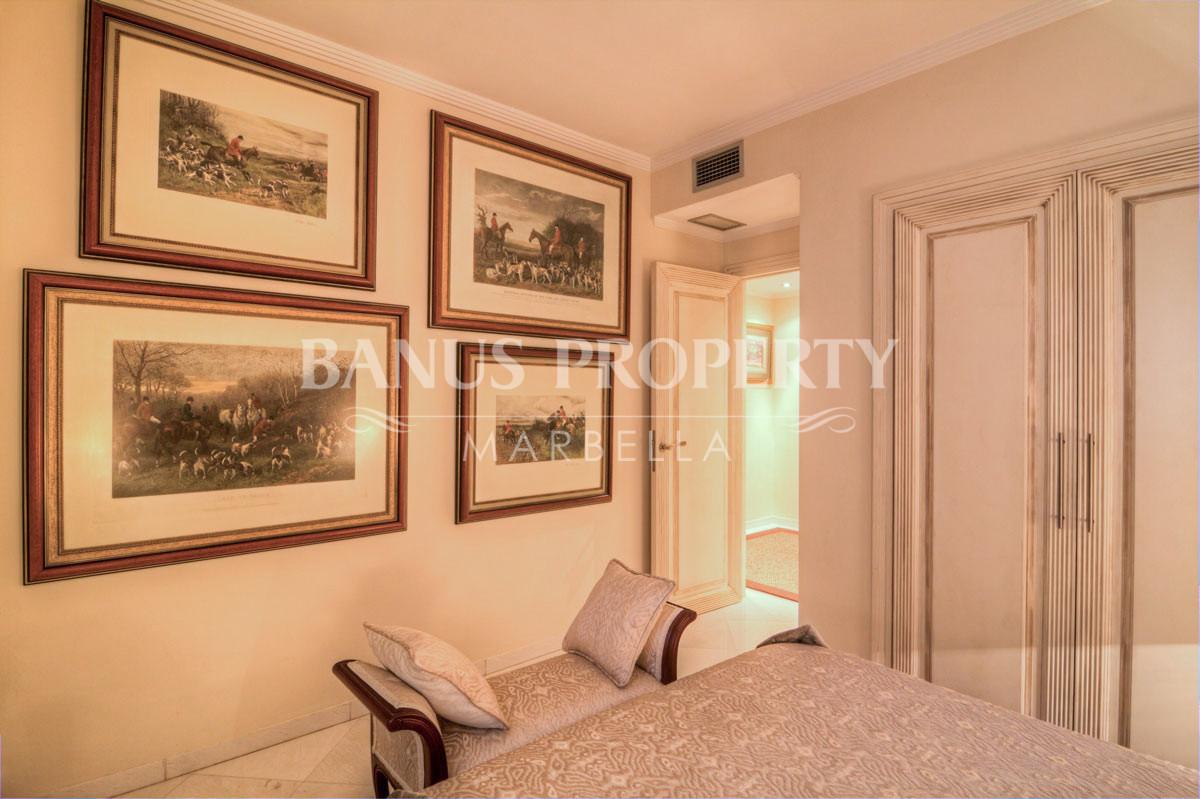 Luxury renovated three-bedroom first floor south facing apartment for sale in Las Gaviotas, Puerto Banús