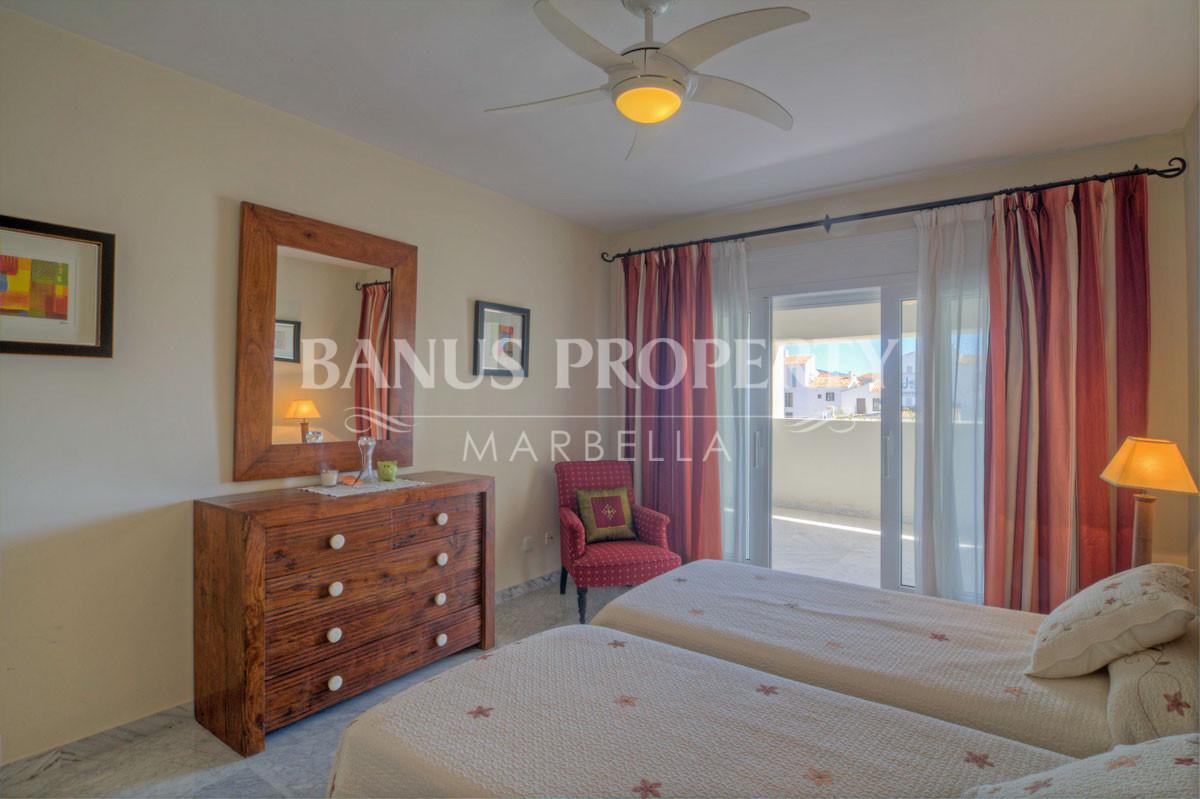 Three bedroom third floor east facing apartment for sale in Edificio Málaga, Playas del Duque, Puerto Banús