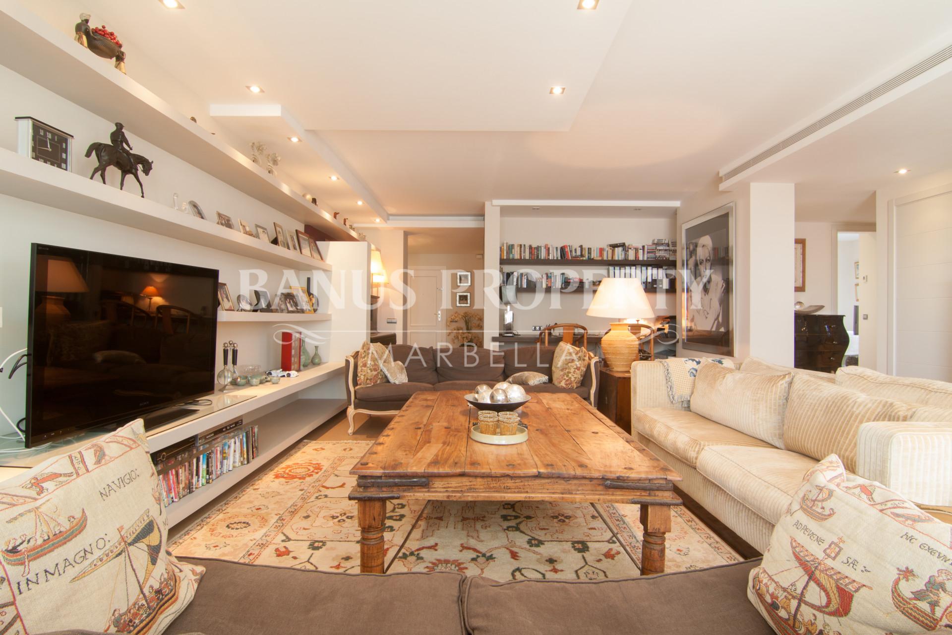 Large three-bedroom fifth floor apartment with gorgeous sea views for sale in Casa Granada, Playas del Duque, Puerto Banús